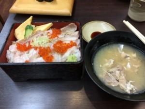 ノドクロ炙り丼